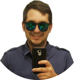 Интернет-маркетолог Артём Коршунов